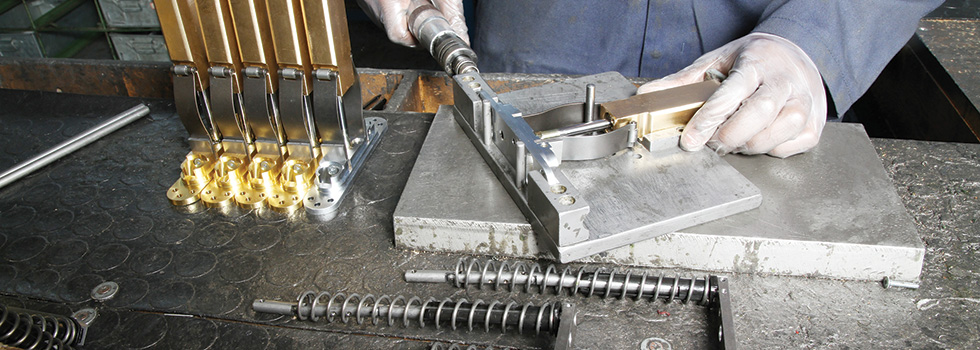 Samuel Heath UK manufacture Powermatic controlled concealed hydraulic door closer